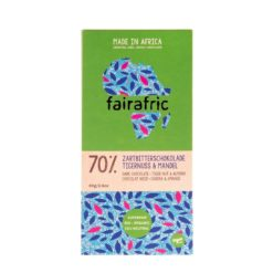 Emballage du chocolat noir 70 % bio, équitable et végan avec des noix tigrées (souchets) et des amandes de Mama Akua
